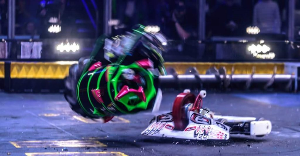 WAR Hawk flipping its competitor in the air - BattleBots